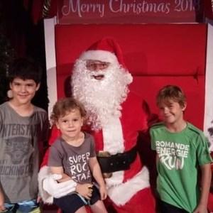 Santa photo smith street